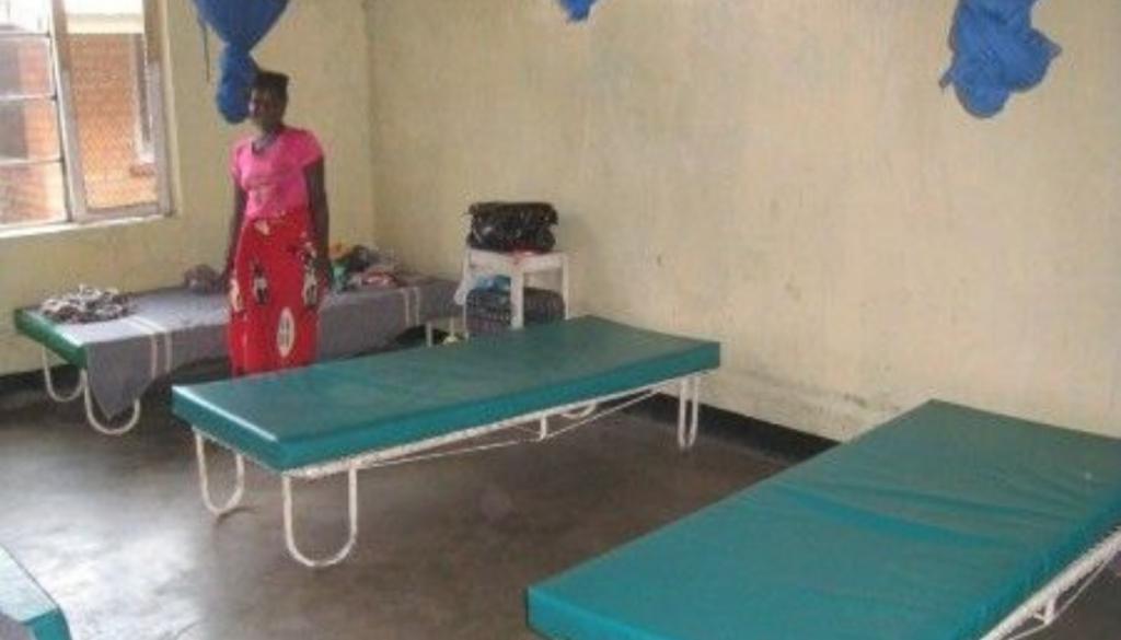 malawi-medical-beds